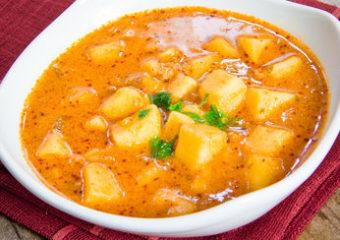 Indische Kartoffelsuppe mit Curry