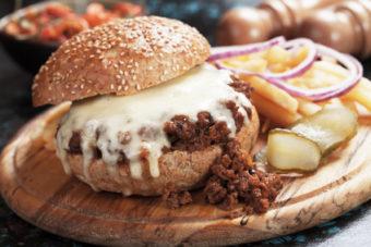 Original Sloppy Joe mit Käse: Rezept für amerikanische Hackfleisch Burger